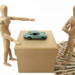 デッサン人形と車の売却のイメージ