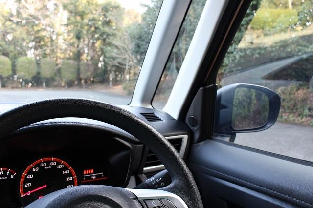 車のの運転席