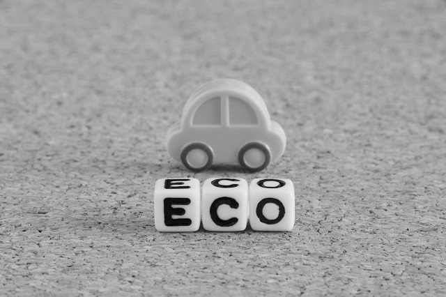 ミニチュアの車とECOのテキストパーツ