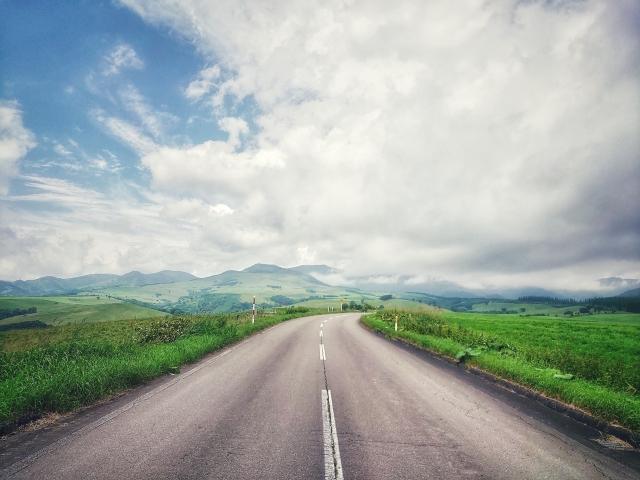 高原と道路