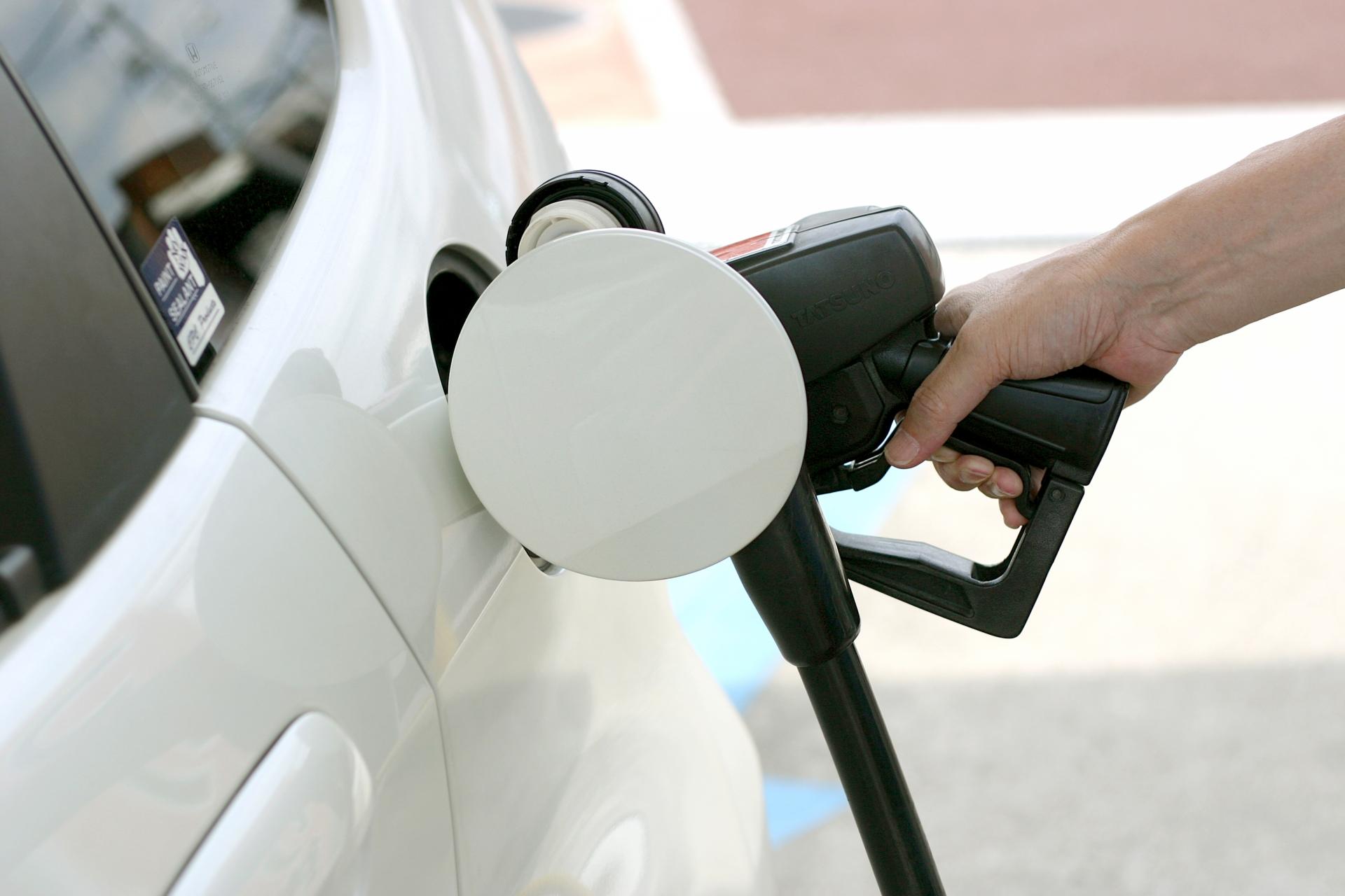自動車への給油