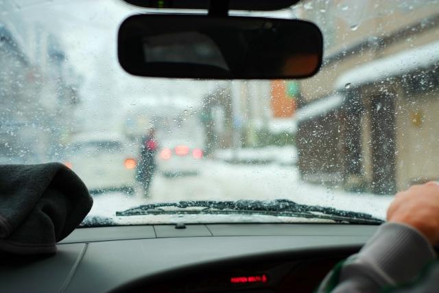 雪道の運転風景
