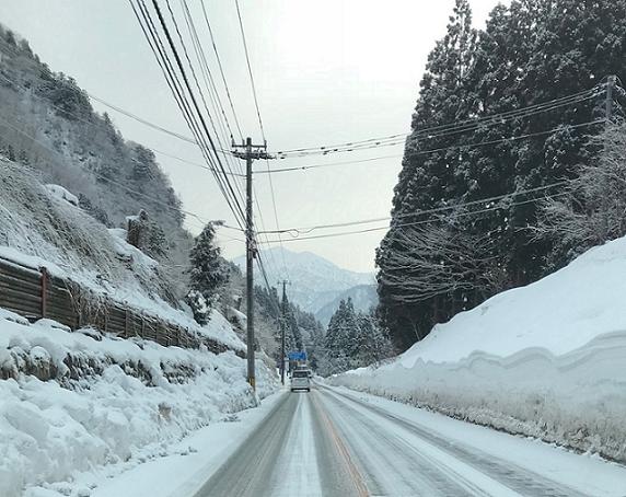 積雪した山間部の運転