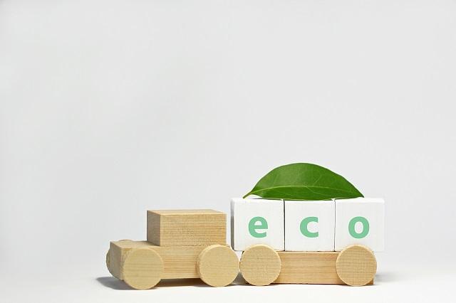 ecoのブロックと木の車